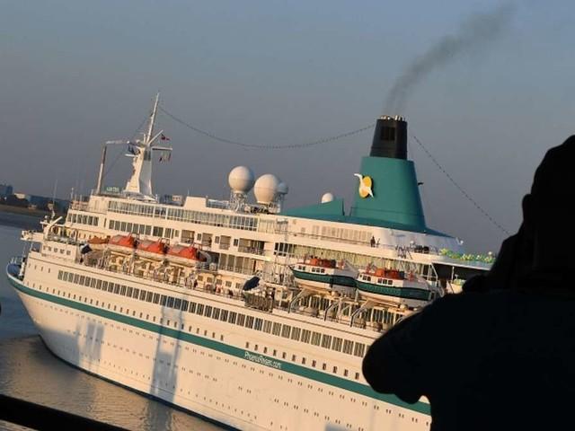 """Kreuzfahrtschiff-Mitarbeiter deckt auf: """"Leider durften wir die Gäste nicht schlagen"""""""