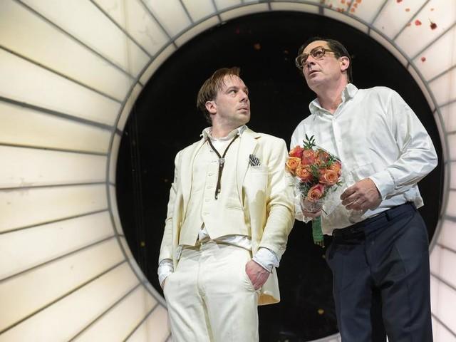Akademietheater-Premiere: Die Welt hinter der Schamgrenze