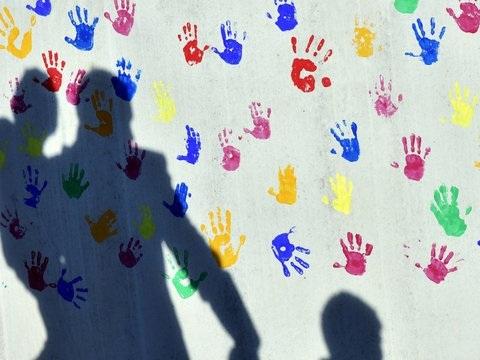 Berlin: Senat will Schulen und Kitas weiter öffnen - nur wie?