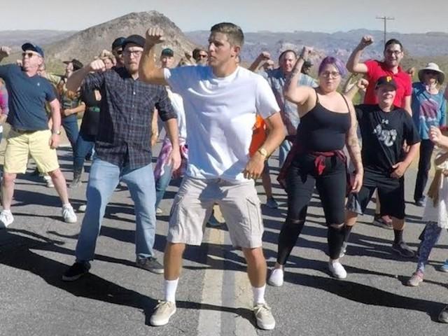 '1000 People of Dance' – Typ bereist 1,5 Jahre den Globus und bringt ein besonderes Dance-Video mit