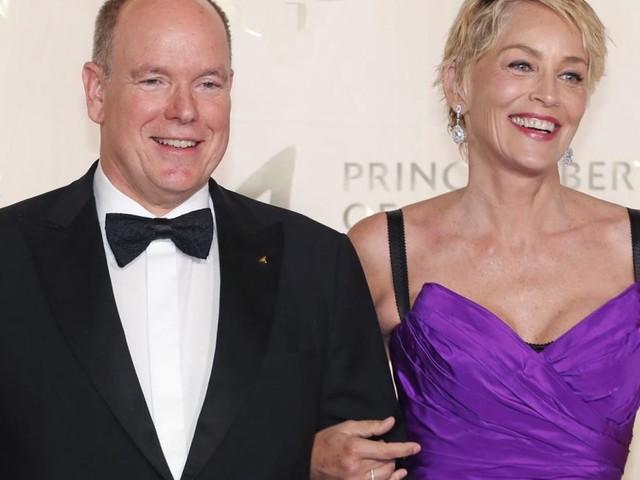 Während Charlène in Südafrika ist: Fürst Albert feiert mit Sharon Stone