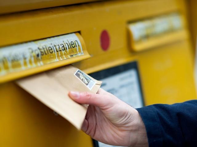 """Verbraucherzentrale klärt auf: """"Bitte freimachen"""" - Wann eine Antwort per Post portofrei ist"""