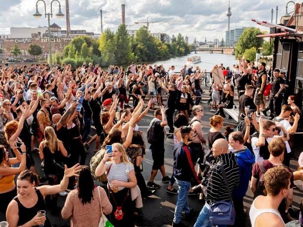 Tanzdemo: Das müssen Sie zum Zug der Liebe in Berlin 2019 wissen