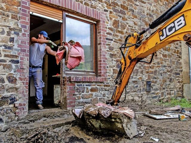 Flutkatastrophe: In der Krisen werden strenge Vorgaben flexibel