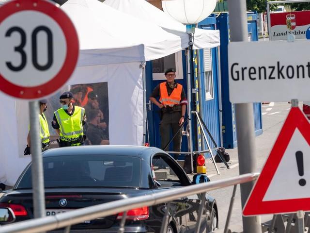 2,8 Mio. deutsche Reiserückkehrer an Grenzen kontrolliert
