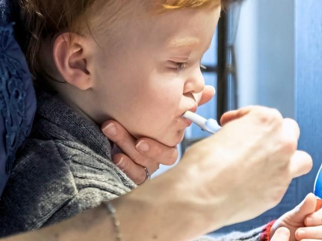 Darf ich mein Kind zum Zähneputzen zwingen?