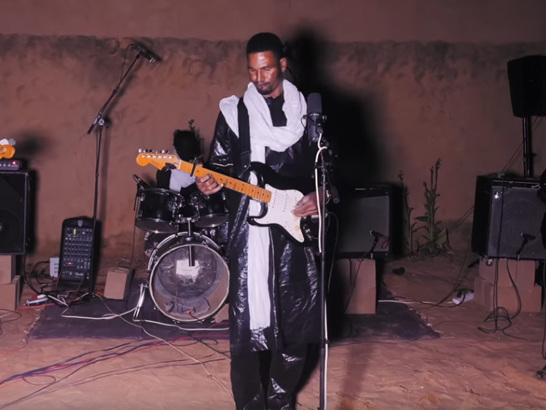 """Afrique Victime: The Documentary"": Album-Doku von Mdou Moctar"