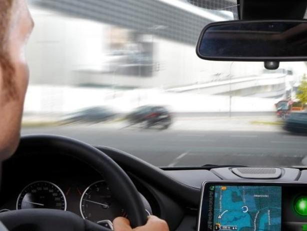 Car-to-car-Kommunikation: Wenn Autos miteinander sprechen