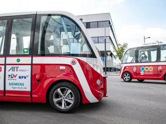 Erster Unfall mit fahrerlosem Bus: Wiener Linien stoppen Testbetrieb
