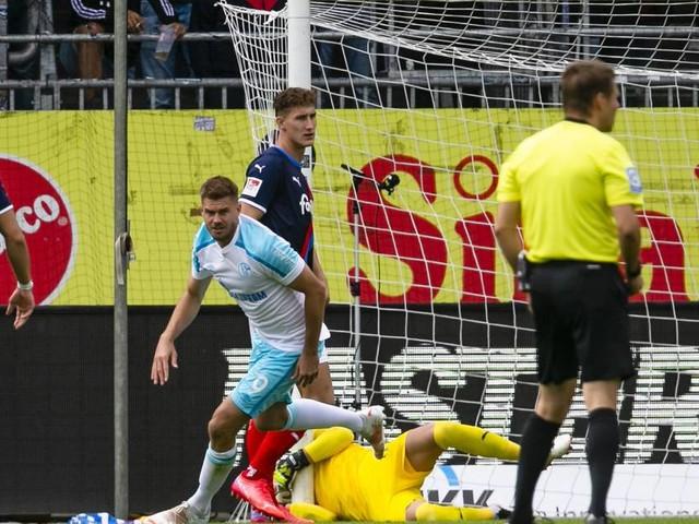 2. Bundesliga: Schalke feiert ersten Sieg – HSV verschenkt Punkte gegen Dynamo