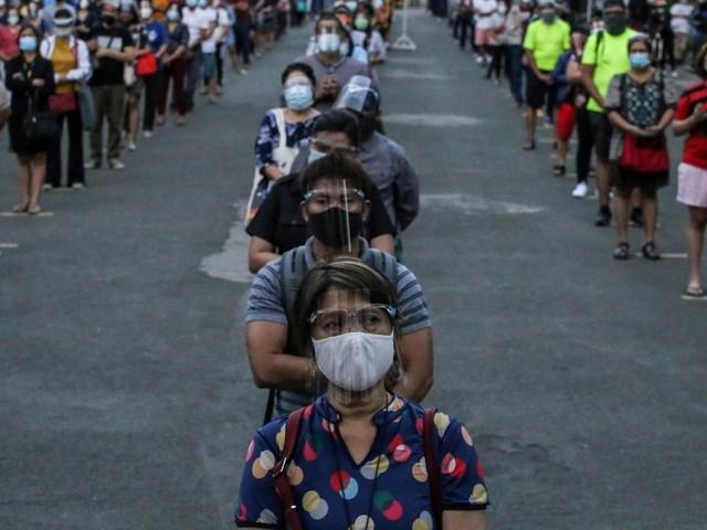 """Corona auf den Philippinen: """"Wenn jemand Ärger macht, erschießt sie"""""""