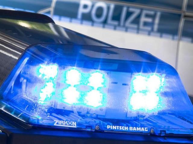 Münsterland: Reifen geplatzt: Sattelauflieger in Brand geraten