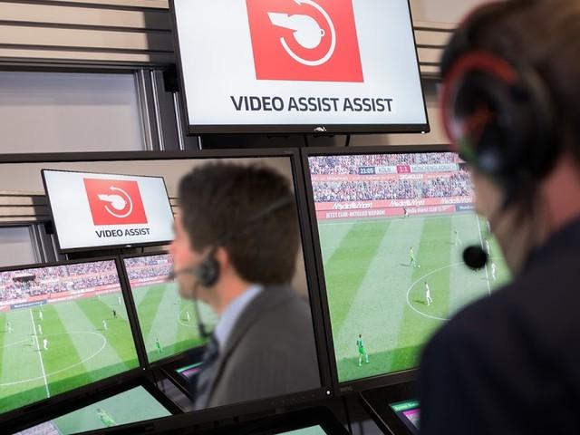 DFB führt Video-Assistent-Assistenten ein, der Video-Assistenten überwacht