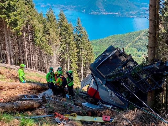 Bilder von Überwachungskamera - Große Empörung nach Veröffentlichung von Video von Seilbahn-Absturz am Monte Mattarone