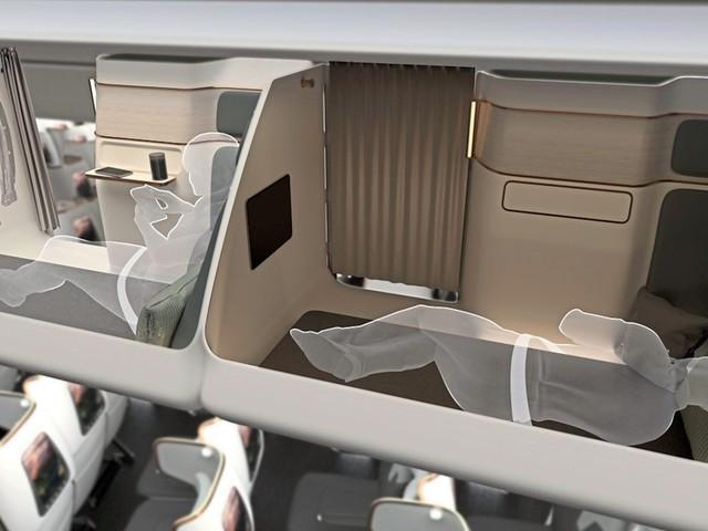 Idee für die Economy-Class: Schlafen, wo sonst das Gepäckfach ist