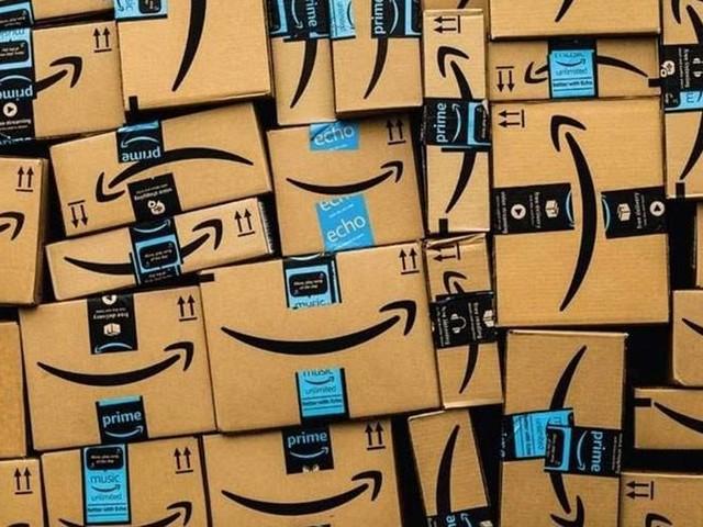 Amazon führt in Versandzentren Grundgehalt von 12 Euro ein