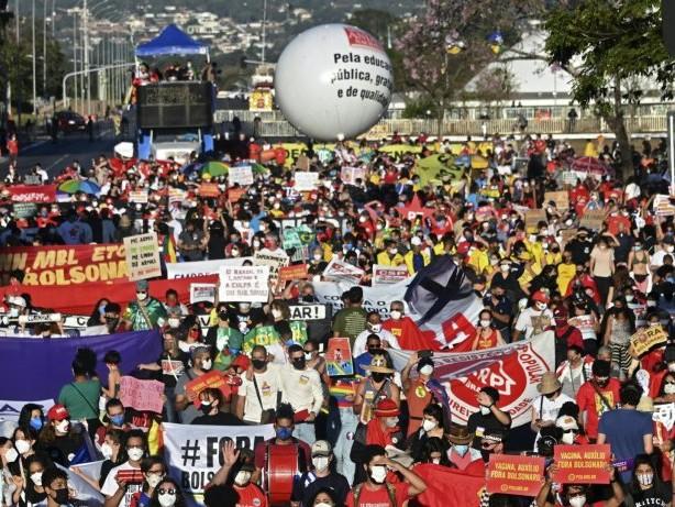 Brasilien: Massenproteste gegen Präsident Bolsonaro