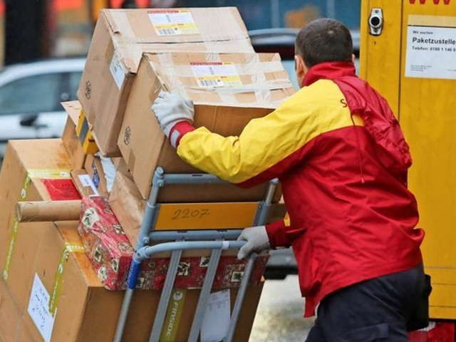 Paketbote fährt Transporter mit 2,25 Promille – Polizei ermittelt