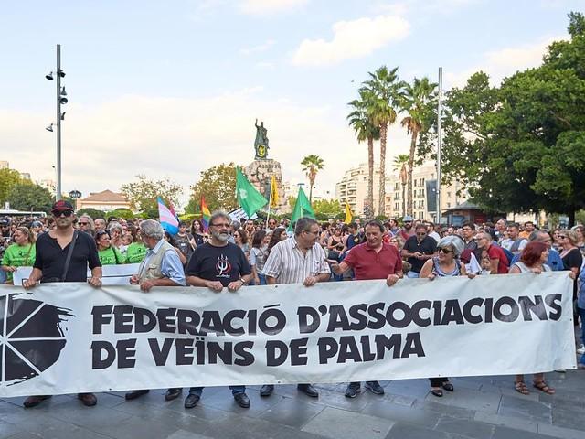 Gegen Massentourismus - Über 3000 Teilnehmer bei Großdemonstration auf Mallorca