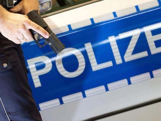 Berlin - Nach wilder Verfolgungsjagd: Polizei stoppt Autofahrer mit gezielten Schüssen