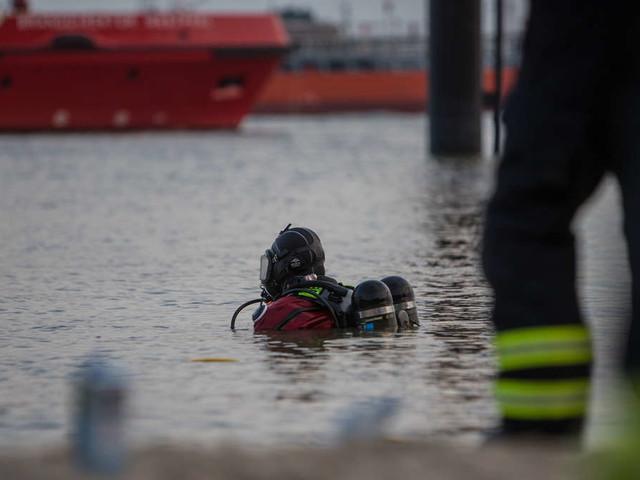 Hamburg: Schüler (15) geht plötzlich in der Elbe unter – sein Kollege (17) kann noch gerettet werden