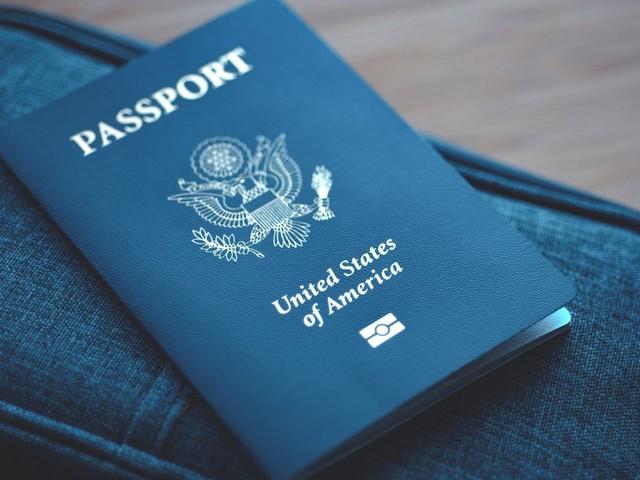 X statt M oder F: USA stellen ersten geschlechtsneutralen Reisepass aus