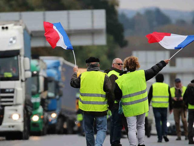 """Zwischen Lüttich und Maastricht: """"Gelbwesten""""-Demonstrant stirbt bei Protesten - Lkw-Fahrer flüchtet"""
