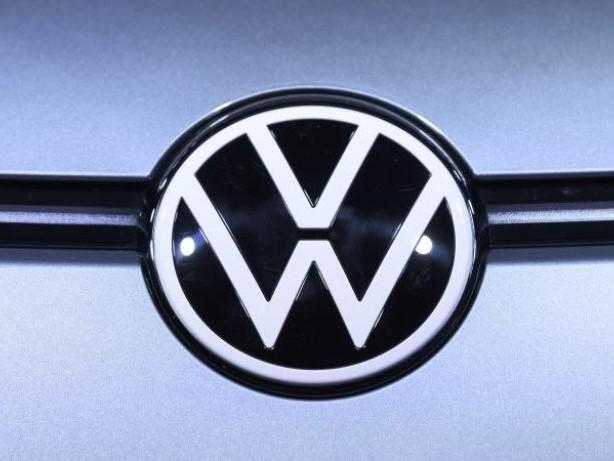 Auto: Ministerium: Keine neuen Abschalteinrichtungen festgestellt