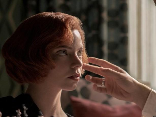 """Es geht um fünf Millionen US-Dollar: Sexismus in """"Das Damengambit""""? Schachspielerin verklagt Netflix"""