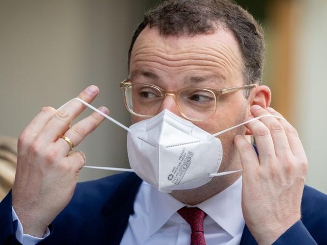 """Corona-News: Spahn warnt vor """"Sorgenherbst"""" wegen Virusmutationen ++ Fast jeder Dritte in Deutschland vollständig geimpft"""