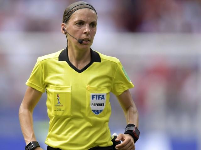 Frau leitet erstmals Supercup: Die Reaktion von Jürgen Klopp sollte jeder Fußballfan lesen