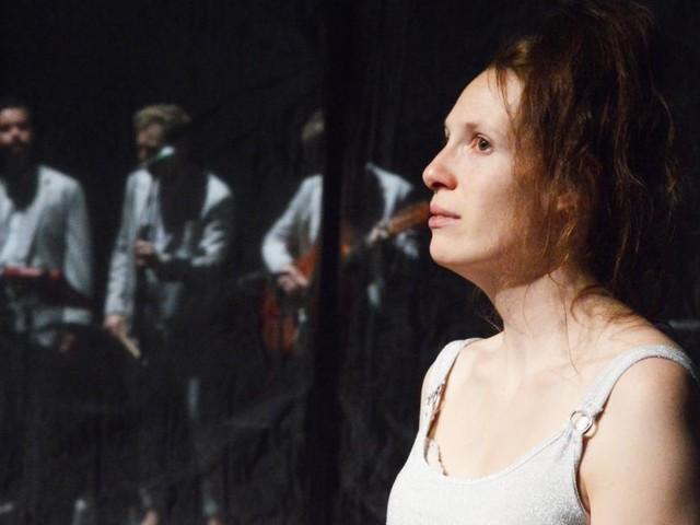 """""""Lonely Ballads"""" im Werk X: Pandemie der Einsamkeit"""