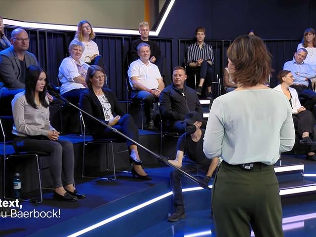 """""""Ich denke, ich weiß es besser"""": AfD-Gast reizt Baerbock im ZDF - Grüne erntet für ihren Konter Applaus"""