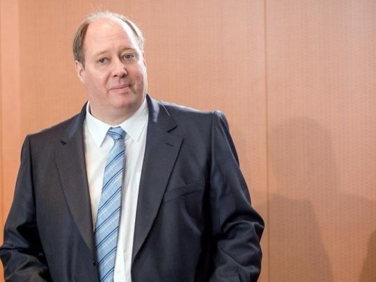Uni Gießen - Helge Braun kann seinen Doktortitel behalten