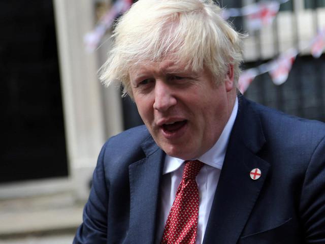 Johnson hebt alle Maßnahmen auf – und mahnt zur Vorsicht