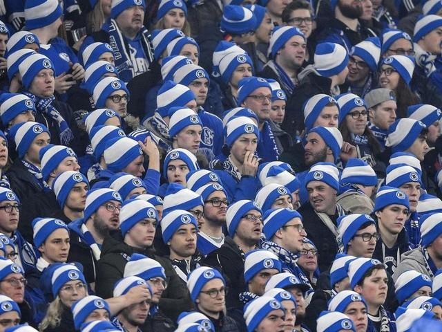 Schalker Ultras zeigen skandalöses Banner