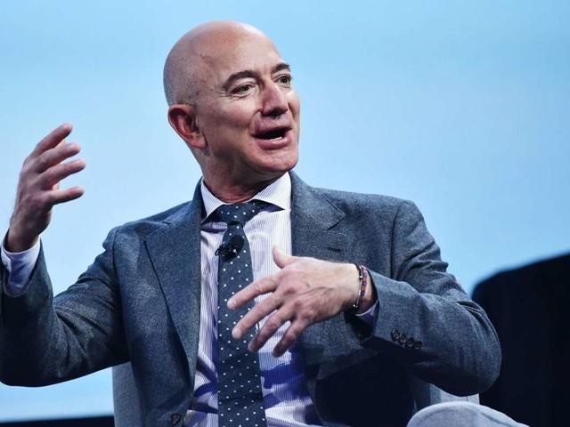 Jeff Bezos: Amazon-Gründer will mit Bruder ins Weltall fliegen