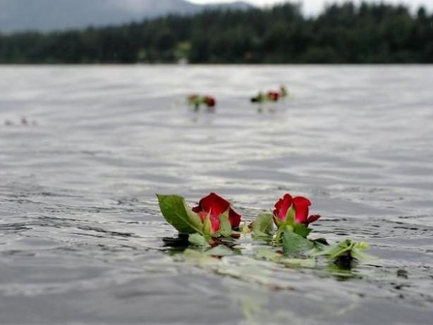 Gedenken: Zehn Jahre nach dem Terror - Norwegen gedenkt Anschlagsopfer