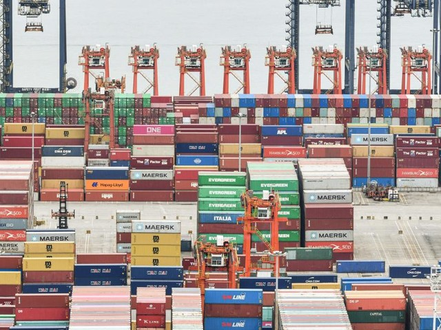 Außenhandel zu Jahresmitte wieder über Vorkrisenniveau