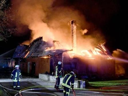 Landwirtschaftliches Gebäude in Mörel brennt nieder