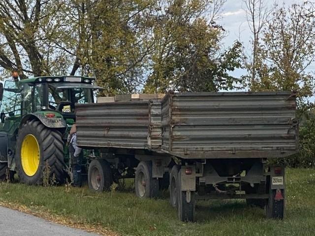 Anhänger ohne Bremsen: Gefährliche Traktoren aus dem Verkehr gezogen