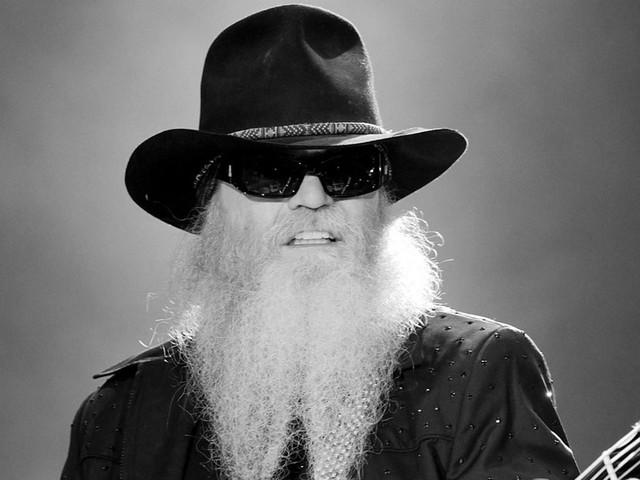 Trauer um Dusty Hill: Bluesrocker mit Rauschebart ist tot