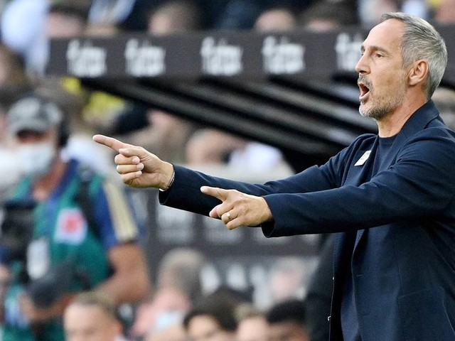 Nach Sieg gegen den BVB: Gladbach-Trainer Hütter mit Versprechen an die Fans