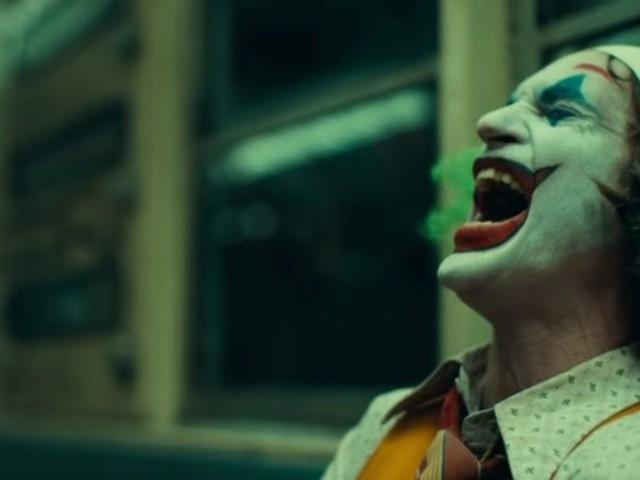 """Bereits 543 Millionen Dollar eingespielt: """"Joker"""" verfolgt """"Batman"""" an der Kinokasse"""