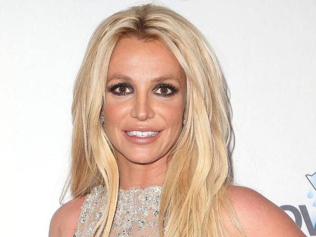 """Vormundschaftsstreit: """"Ich höre auf"""": Britney findet klare Worte gegen Vater und Schwester – kommt jetzt das Karriereende?"""