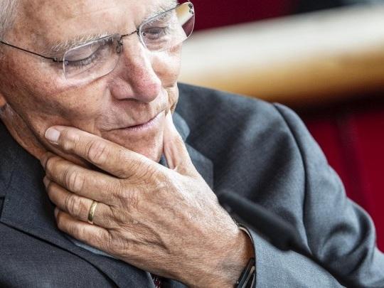 """Vor der Wahl - Schäuble warnt vor Aufblähung des Bundestages - """"dem Ansehen nicht zuträglich"""""""