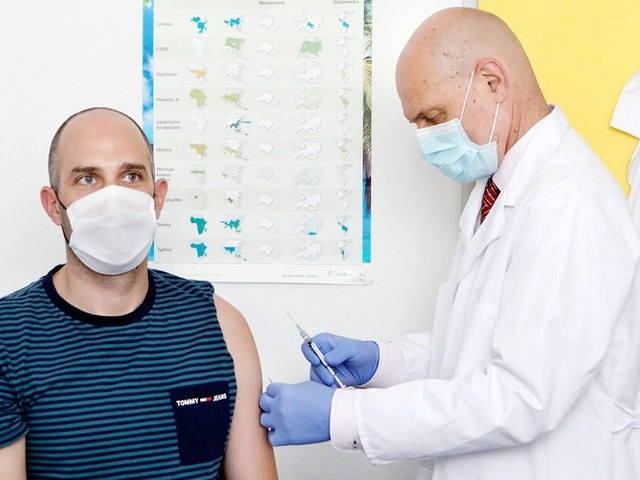 Corona-News: Fast jeder zweite Bundesbürger mit erster Corona-Impfung ++ Curevac-Rückschlag hat keine Auswirkungen auf Impfkampagne
