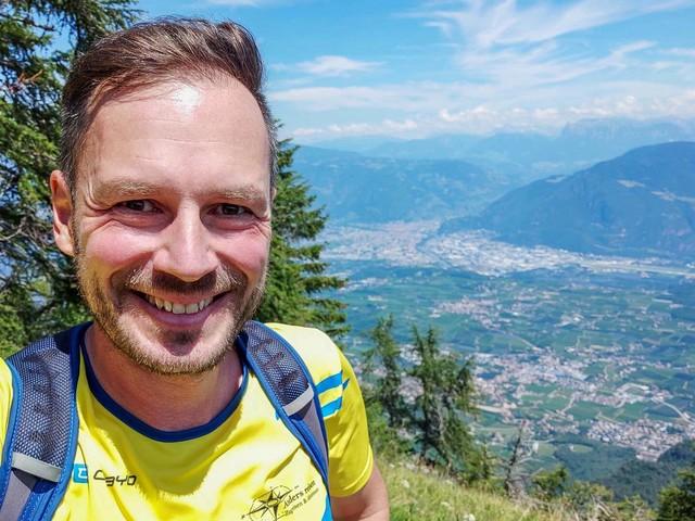 Wandern in Südtirol: Ab Kaltern zu Penegal und Rastenbachklamm (Video)