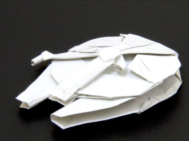 Origami: Wie man einen Millenium Falcon faltet
