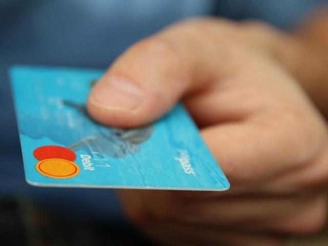 Mikroplastik: Menschen nehmen eine Kreditkarte pro Woche auf
